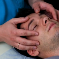 масаж при мигрена