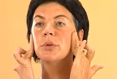 масаж на скулите