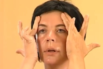 масаж на челото